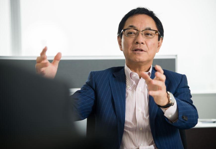 ジェイコムホールディングス株式会社 岡本泰彦社長 インタビュー画像1−1
