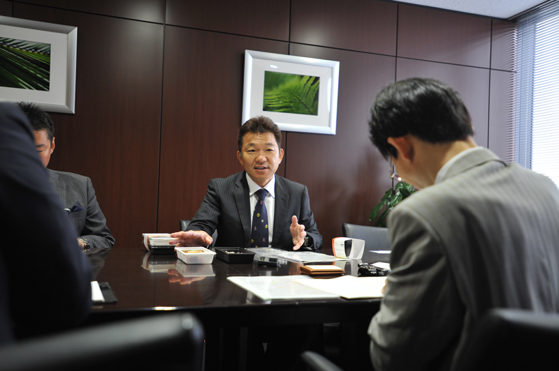 株式会社フルキャストホールディングス 平野岳史会長 インタビュー画像1-4