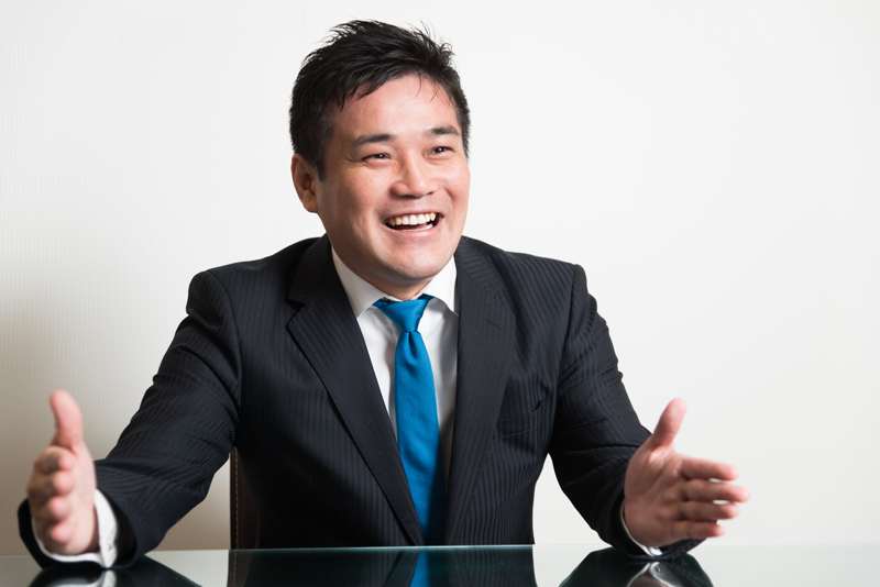 マネぷらホールディングス株式会社 岡崎泰旦社長 インタビュー画像1-5