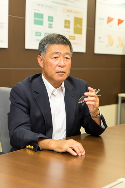 メディシノバ 岩城裕一社長 インタビュー画像1-4