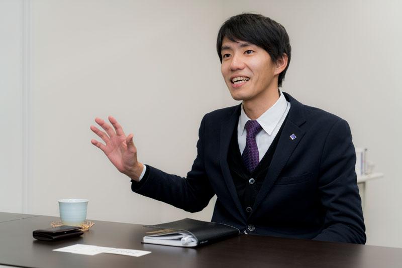 株式会社サラヴィオ化粧品 濱田拓也 インタビュー画像1-1