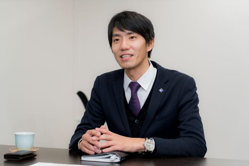 株式会社サラヴィオ化粧品 濱田拓也 インタビュー画像1-3