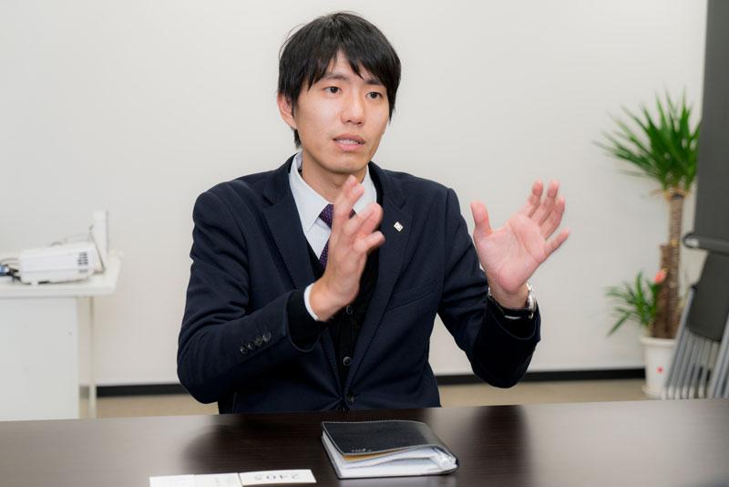 株式会社サラヴィオ化粧品 濱田拓也 インタビュー画像1-4