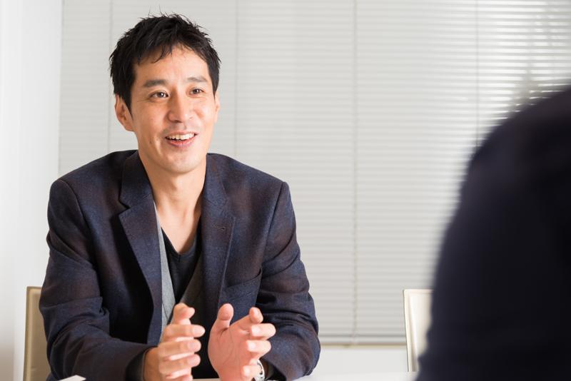 トレンダーズ株式会社 岡本伊久男社長 インタビュー画像1-3
